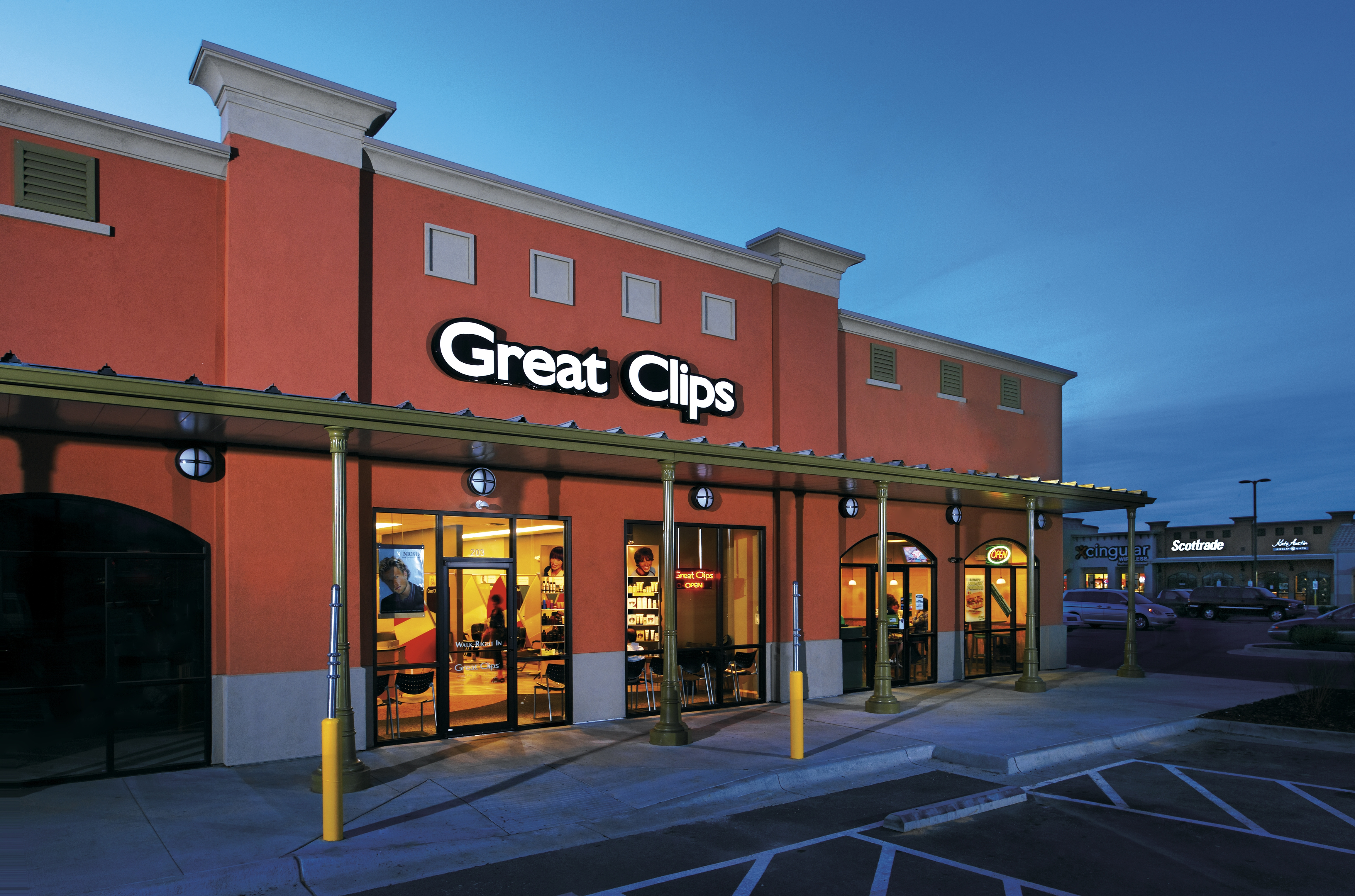 Great Clips Salon Exterior