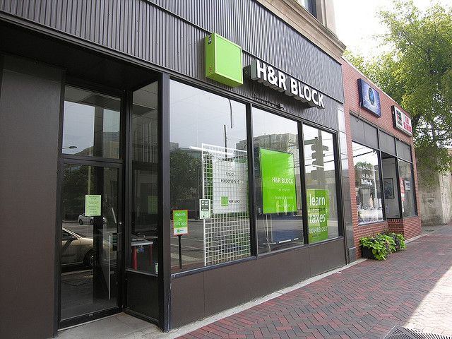 H&R Block Franchise Photo by YoNorthShore