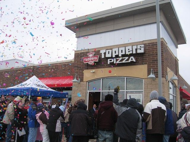 Toppers Pizza Franchise Exterior Photo