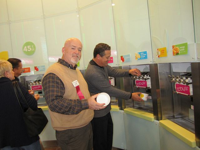 franchise chatter yogurt in love Menchies frozen yogurt is yogurt your way you pick the flavors, you pick the toppings-it's as simple as mix, weigh and pay frozen yogurt, frozen yoghurt, yogurt shop.