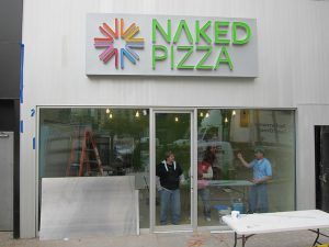 Naked Pizza Photo by Scoboco