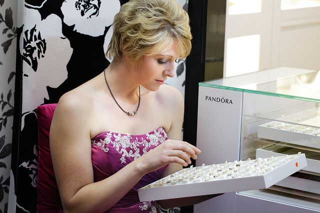 Pandora Jewelry Customer Photo by Fiona McKean Photography