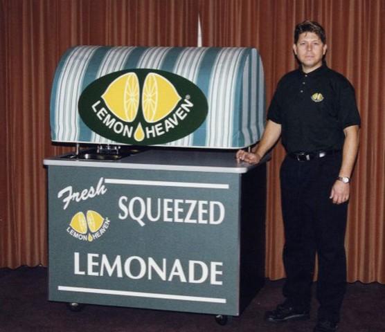 Lemon Heave Photo (Marty Bennett and His Cart)