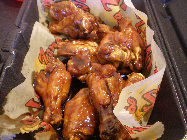 Considering a Wing Zone Franchise? Don't Overlook These 25 Important Franchise Fees