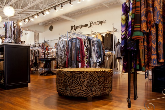 Mainstream Boutique Photo