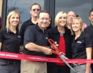 Burger 21 Franchisee Dennis Saller and family at ribbon cutting