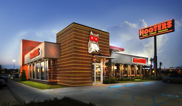 Hooters Exterior Photo