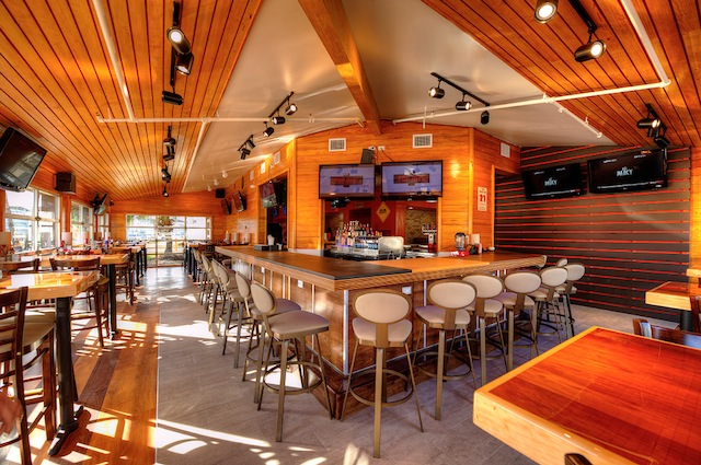 Hooters Interior Photo