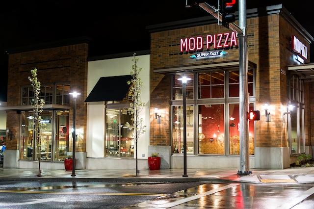 MOD Pizza Exterior Photo