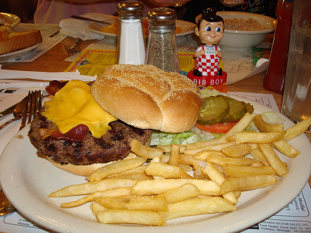 Big Boy Burger Photo by Fernanda Passos