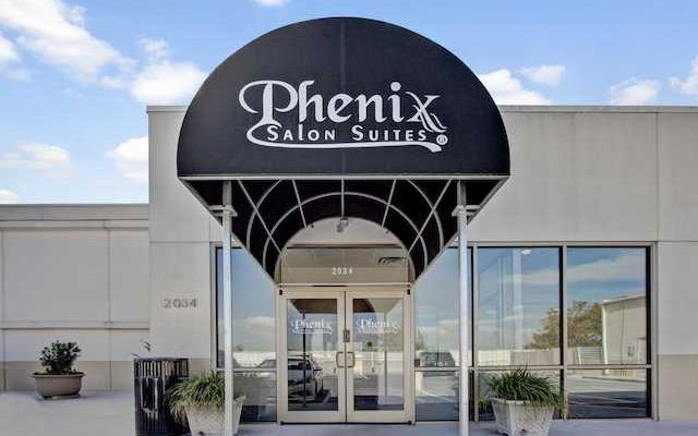 Considering a Phenix Salon Suites Franchise? Don't Overlook These 24 Important Franchise Fees